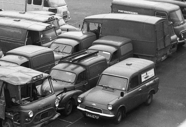 Ford Anglia Van - Royal Mail